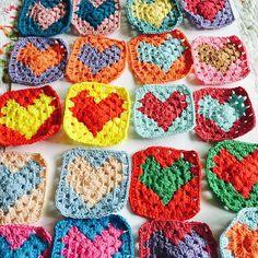#코바늘#손뜨개#손뜨개소품#모티브블랭킷뜨기 #그래니스퀘어#crochet#handmade#grannysquareblanket #핸드메이드#knnitinglove #crochetaddict #털실나라면사