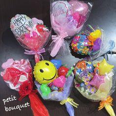 パーティーショップ タキシードベア大阪さんはInstagramを利用しています:「#タキシードベア大阪#バルーン#母の日#誕生日#mothersday#birthday#balloons#gift #present #アレンジメント #ギフト#bouquet#ブーケ#ブーケアレンジ#パーティー#party #パーティーグッズ #装飾 #東大阪…」 Balloon Crafts, Balloon Gift, Balloon Decorations, Mini Balloons, Balloons And More, Valentines Balloons, Birthday Balloons, Candy Bouquet, Balloon Bouquet