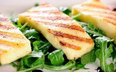 Halloumi is simmered in a creamy spinach curry in this recipe - it's delicious served with basmati rice or naan bread and makes a wonderful vegetarian curry. Best Lamb Recipes, Diet Recipes, Vegetarian Recipes, Cooking Recipes, Healthy Recipes, Cheese Recipes, Halloumi Salad, Grilled Halloumi, Haloumi Cheese