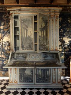 Bureau Scriban à Deux Corps Epoque XVIIIème Siècle, Laurence Helmer et Maison… Decoupage Furniture, Hand Painted Furniture, Antique Furniture, Decoration, Art Decor, Home Decor, Art Ancien, Antique Paint, Italian Furniture