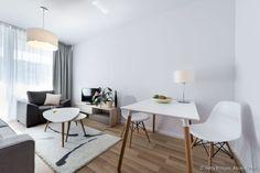 style suédois ( table +chaises )