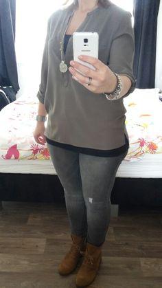 Groene blouse met grijs jeans!