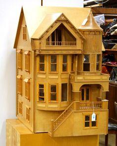 Queen Anne Fred Davis dollhouse