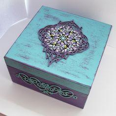 DIY pudełko z mandalą https://www.youtube.com/watch?v=J6hsobZ7TV8