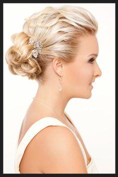 Chic Chignon,  #bride #hairstyle  peinados de novia