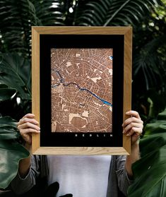 Map of any place in the world, woodcut of a personalized town or city. Piece of wood in size 12x8 inches laser engraved on wood. The blue river laser cut or any color. It can be personalized with a pin, home, wedding, date, etc ... Personalized wooden art to decorate a room and to give at a wedding, Christmas, housewarming, birthday, etc ... Vintage Wall Art, Vintage Walls, Map Design, Wooden Art, Laser Engraving, House Warming, Wall Decor, River, Etsy Shop