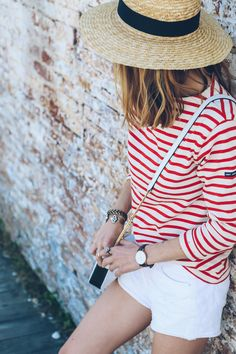saint james striped tee, daniel wellington bristol rose gold lady watch Red White Striped Shirt, White Jean Shorts, Red And White Stripes, White Jeans, Summer Stripes, Denim Shorts, Cape Cod Collegiate, Stripes Fashion, Shirt Outfit