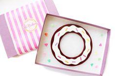 Donut Jewelry // Chocolate Donut Bracelet van ILoveCrafty op Etsy