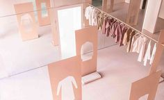 a pop up concept store in LA for COS designed by Snarkitecture in powder pink and white Design Shop, Store Design, Design Design, Graphic Design, Tienda Pop-up, Store Concept, Scandi Chic, Wallpaper Magazine, Merchandising Displays