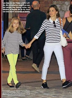 King Felipe, Queen Letizia and their daughters went to the theatre to watch a Mid Summer Nights Dream