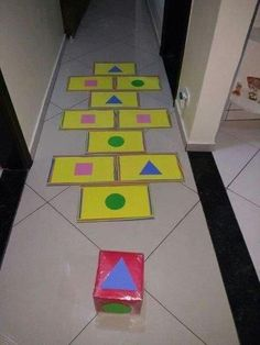 25 Activities to teach geometric figures - Aluno On - 25 Activities to teach geometric figures – Aluno On The Effective Pictures We Offer You About gre - Preschool Education, Preschool Learning Activities, Toddler Learning, Preschool Activities, Kids Crafts, Preschool Crafts, Gross Motor Activities, Childhood Education, Art For Kids