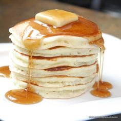 My Favorite Fluffy Pancake - I used to just make Bisquick pancakes. - My Favorite Fluffy Pancake – I used to just make Bisquick pancakes. Pancakes Easy, Fluffy Pancakes, Pancakes And Waffles, Homemade Pancakes, Buttermilk Pancakes, What's For Breakfast, Breakfast Recipes, Breakfast Dishes, Mexican Breakfast