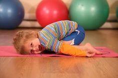 9 кинезиологических упражнений, которые заставят мозг работать на полную мощность Mind Gym, Brain Activities, Yoga For Kids, Loose Weight, Teaching Tools, Face And Body, Health And Beauty, Health Fitness, Kids Rugs
