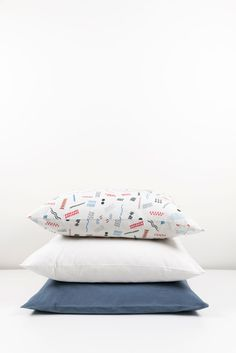 ZigZagZurich makes luxury bedding, duvet covers, curtains, throws and blankets, designed by artists using the finest quality materials made in Italy Luxury Bedding, Duvet Covers, Bed Pillows, Pillow Cases, Textiles, Blanket, Design, Pillows, Luxury Bed Linens