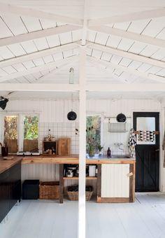 Oprindeligt køkken kombineret med Ikea-elementer