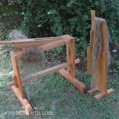 If you've grown flax for fiber and retted it, the straw is ready to be processed into fiber to spin. Learn about using flax brakes and scutching boards. Spinning Wool, Hand Spinning, Spinning Wheels, Bead Loom Patterns, Beading Patterns, Flax Weaving, Tapestry Weaving, Flax Fiber, Vikings
