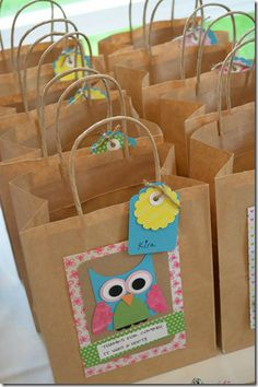 For homemade party bags in any design Owl Parties, Owl Birthday Parties, Girl Birthday, Party Gift Bags, Party Gifts, First Birthdays, Party Themes, Party Ideas, Gift Wrapping