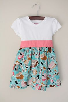 Sewing Dresses store shirt, tube skirt yd), sash sewn to front only with bow tied in back. Sewing Kids Clothes, Sewing For Kids, Baby Sewing, Diy Clothing, Clothing Patterns, Dress Patterns, Ropa Upcycling, Robe Diy, Mini Robes