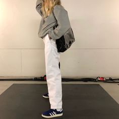 How to wear adidas sneakers street style boyfriend jeans 32 best ideas Mode Outfits, Fashion Outfits, Womens Fashion, Looks Style, Style Me, Socks Outfit, Boyfriend Jeans Style, Mode Simple, Outfit Invierno