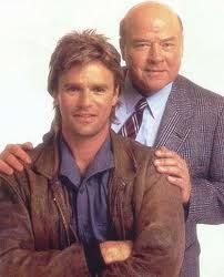 MacGyver Like James Bond--but without the high-tech gadgets--Angus MacGyver (Richard Dean Anderson) and his friend, Pete (Dana Elcar) Macgyver Tv, Angus Macgyver, Macgyver Richard Dean Anderson, Tv Retro, Tv Vintage, Emission Tv, Robert Sean Leonard, Image Film, Tv Reviews