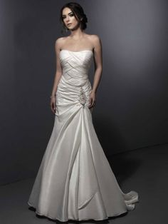 Pretty sleeveless trumpet / mermaid bridesmaid dress