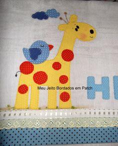 Fralda com aplicação em patch aplique em tecido 100% algodão com barrado de bordado inglês. Nome a escolher.