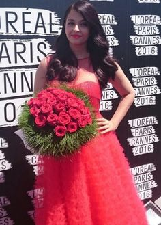 AISHWARYA RAI IN RED GOWN AT CANNES 2016
