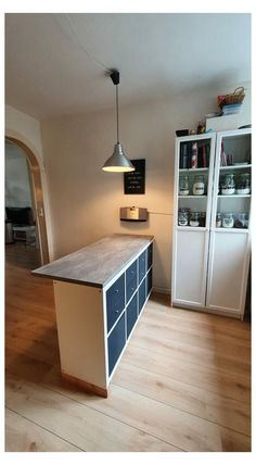 Kitchen Interior, Home Interior Design, Kitchen Decor, Ikea Kallax Desk, Kallax Hack, Basement Remodel Diy, Kitchen Remodel, Kitchen Island Ikea Hack, Home Remodeling