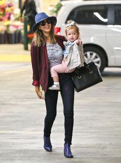 Jessica Alba - Jessica Alba Goes Shopping with Haven