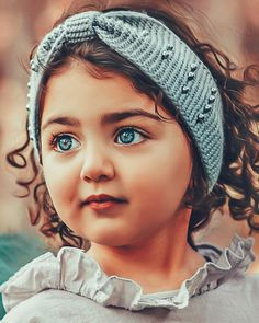 Kids Discover Beauty with difference Cute Baby Girl Photos, Cute Little Baby Girl, Beautiful Baby Girl, Cute Baby Pictures, Beautiful Children, Cute Girls, Cute Baby Girl Wallpaper, Cute Babies Photography, Instagram