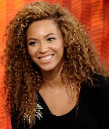 """Beyonce: Natural Hair. Twist outs after a good dye job. Gently comb some pieces out with your fingers. Important:: NOT ALL. Keep a nice """"piecey look."""" #NaturalHairstyles #NaturalHair"""
