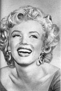 marilyn monroe images rares - Page 2 7ff735aeaf1e5ceff2d03cb749c38019