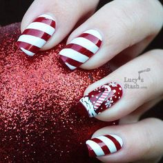 Candy Cane Nails | #christmasnails #nailart #christmasnailart #xmasnails