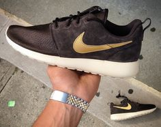 Nike Roshe Run Suede Velvet Brown