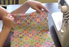 """Tutorial for a """"wet bag"""" to keep baby stuff in, or make larger ones for swimsuits, travel, etc. Cute!"""
