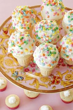When I look at Ice Cream Cone Cupcakes they immediately make me happy! I thought that these were going to be super complicated to create (because they look so awesome) but as it turns out they're pretty easy. Kindergarten Party, Ice Cream Cupcakes, Ice Cream Party, Rainbow Cake Mix, Rainbow Fruit, Easy Desserts, Delicious Desserts, Cupcake Recipes, Dessert Recipes