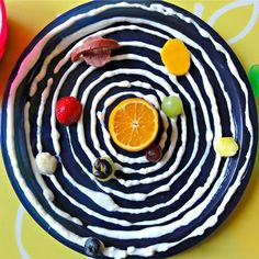 Who would learn better when food is involved?  This is incredibly clever!  --  Solar System Snack.
