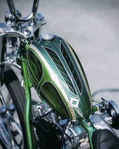 Beraksi Lena 2 Saja, Shovelhead chopper by Queenlekha Choppers Photo credit Erorfauzi and Cellanadalam . Motorcycle Paint Jobs, Motorcycle Art, Bike Art, Custom Metal, Custom Art, Honda Shadow Bobber, Paint Bike, Old School Chopper, Harley Bikes