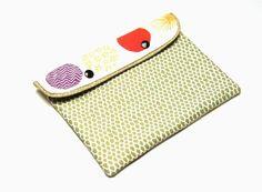 Housse ipad mini tablette liseuse tissu créateur imprimé écaille reptile vert violet rose jaune orange : Housses ordinateurs et tablettes par filles-factory