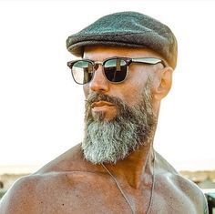 Beard Styles 827888343984547624 - The best Beard styles in the world. Bald Men With Beards, Bald With Beard, Beard Fade, Grey Beards, Goatee Beard, Men Beard, Beards And Hair, Beard Haircut, Long Beards