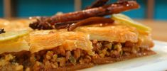 Baklawah de Nuez Osvaldo Gross, Cheesesteak, Argentinian Recipes, Ethnic Recipes, Leo, Desserts, Spanish, Gourmet, Clarified Butter
