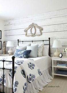 Are you searching for images for farmhouse decor? Browse around this site for very best farmhouse decor inspiration. This specific farmhouse decor ideas seems completely brilliant. Farmhouse Style Bedrooms, Farmhouse Style Kitchen, Farmhouse Decor, Farmhouse Design, Modern Farmhouse, Modern Country, Farmhouse Interior, Cozy Bedroom, Bedroom Decor
