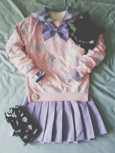 A fairykei/creepy cute/pastel goth coordinate I did for Sakuracon 2014! Sweater is from hello cavities, seifuku is bodyline, jewelry and tights from holley tea time, pin on the hat is from candy bats.