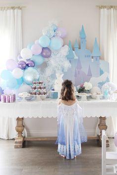 An Elegant Frozen Birthday Party