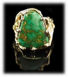 Green turquoise ring.   Want!