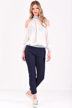 Μπλούζα με έξω ώμους και λάστιχο εμπριμέ σε εκρού χρώμα T Shirt, Tops, Women, Fashion, Supreme T Shirt, Moda, Tee Shirt, Fashion Styles, Fashion Illustrations