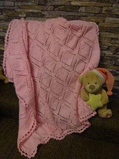 Babydecke *rosa * Rhombenmuster * Wolle gestrickt von Babys Kuschelparadies auf DaWanda.com
