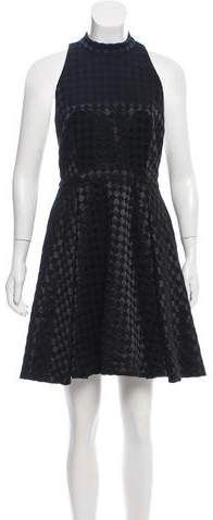 Black Alice + Olivia wool sleeveless knee-length dress with crew neck, dual seam pockets at sides and zip closure at back. Autumn Fashion Casual, Alice Olivia, Collars, Crew Neck, Wool, Formal Dresses, Skirts, Sleeves, Clothes