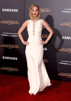 'Mockingjay - Part 2' Premiere Gives Fans A Three-Fingered Salute