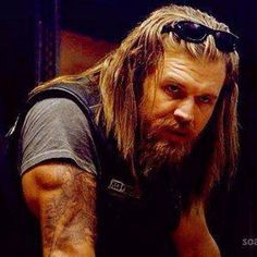 This is a fan page for Ryan Hurst. I am NOT Ryan Hurst. Ryan D. Hurst is best known for his breakout performance starring opposite. Ryan Hurst, Beautiful Men, Beautiful People, Perfect People, Netflix, Sons Of Anarchy Motorcycles, Sons Of Anarchy Samcro, Charlie Hunnam Soa, Star Wars